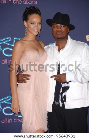 Singers RHIANNA & NE-YO at the 2006 BET Awards in Los Angeles.. June 27, 2006  Los Angeles, CA  2006 Paul Smith / Featureflash