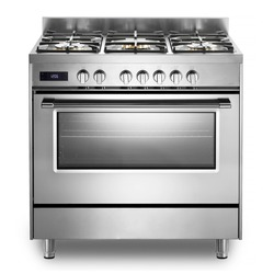 Single Cavity Duel Fuel Range Cooker Isolated on White. Front View Stainless Steel Freestanding Kitchen Stove with Convection Oven. Domestic Major Appliances. Gas Range 5 Burners Cooktop
