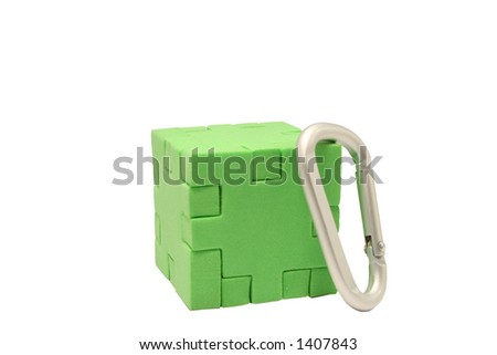 Single green puzzle block with a climbing d shackle
