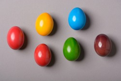 Six colored Eastereggs on grey background