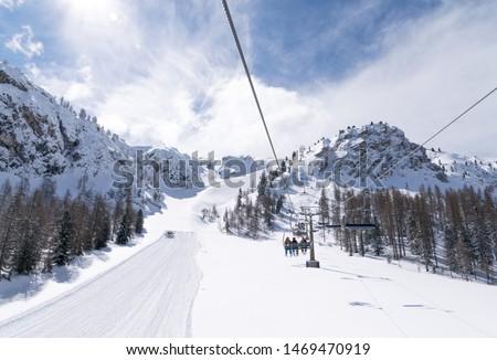 Ski slopes and snow holidays in Cortina d'Ampezzo in the Italian Dolomites, ski resort in the Alps Foto stock ©