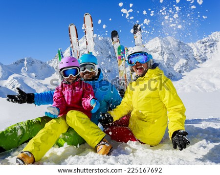 Skiing winter snow skiers sun and fun family for Best family winter vacations