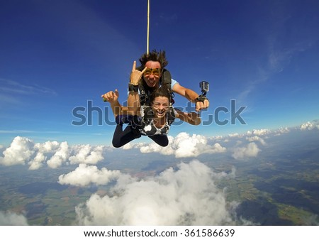 sky diving tandem happiness