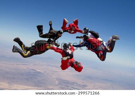 Skydiving group formation - teamwork