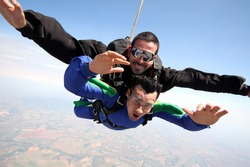 Skydiving tandem friends