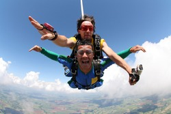 Skydiving tandem shouting