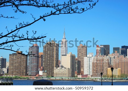 Skyline for Mid-town Manhattan in New York City in sprint time