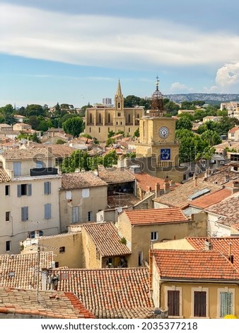 Skyline of the city of Salon de Provence with a view on the Tour de l'Horloge, a famous bell tower, and the colored roofs of the old medieval city Photo stock ©