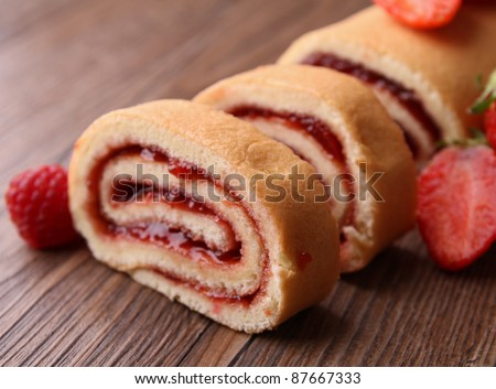 slice of swiss roll and jam