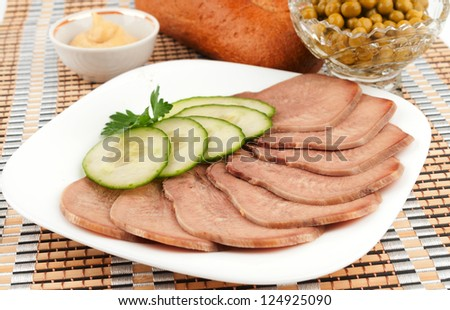 Sliced �¢??�¢??beef tongue with cucumber