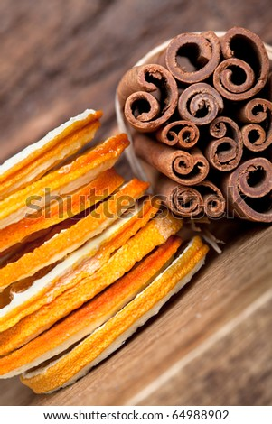 Slices of dried Orange with cinnamon sticks