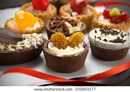 Small cakes with different stuffing