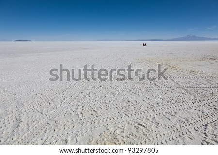 Small Car gets lost in the Salt Lake