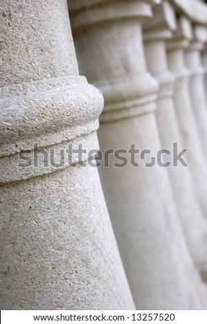 Small carved columns of beige color