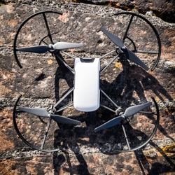 Small drone for taking pictures
