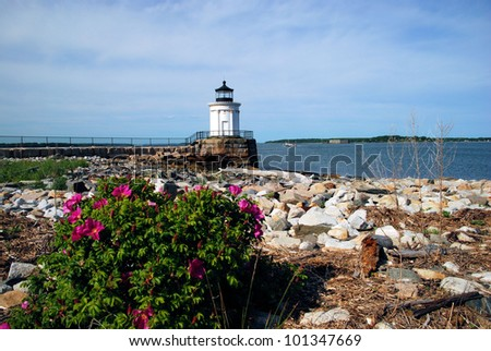 Small lighthouse in Portland, Maine / Bug Light