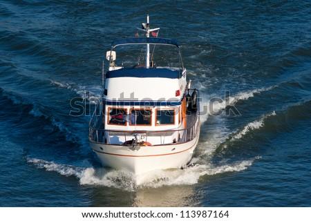 Small pleasure boat