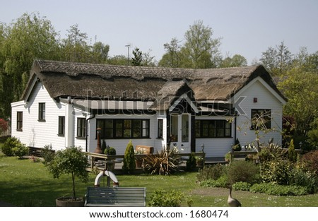 small thatched cottage on the norfolk broads
