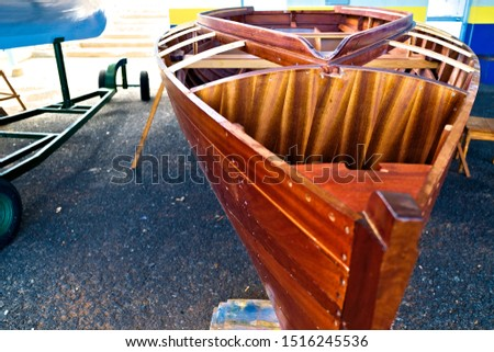 Small wooden boat construction details - foredeck details.