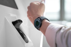 Smart watch contactless and cashless payment