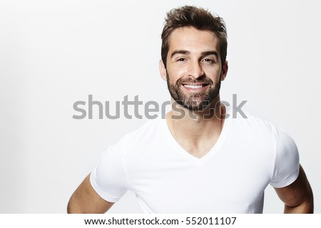 Smiley guy in white t-shirt, portrait