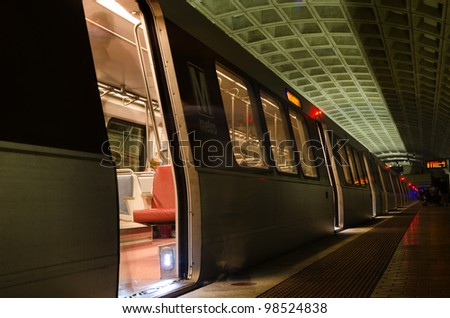 Smithsonian Metro station in Washington DC, United States