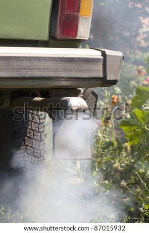 Smoke exhaust pipe