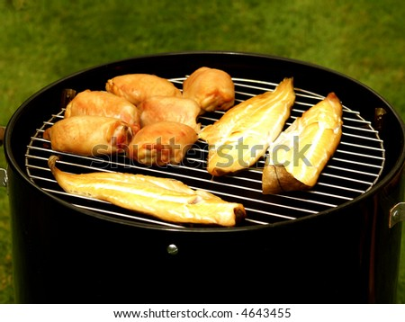 Smoking pot for fish and chicken barbeque