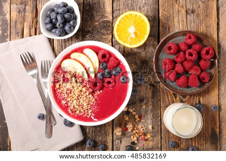 smoothie bowl and ingredient