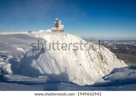 Sniezne kotly valley during snowy winter in sunny day in Karkonosze mountains in Poland Zdjęcia stock ©