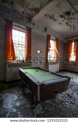 Snooker table at an abandoned mental asylum (now demolished), Cane Hill, Coulsdon, Surrey, England, UK #1291023325