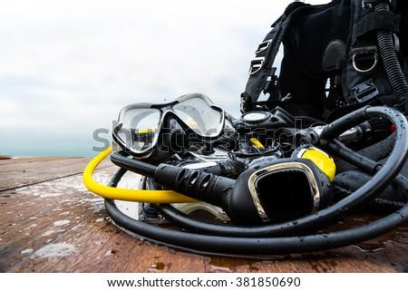 snorkeling equipment for driving on wood platform