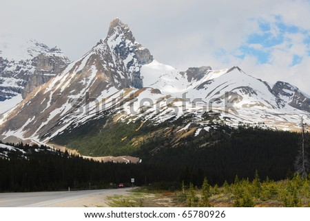 Snow mountains in spring at columbia icefield area, jasper national park, alberta, canada