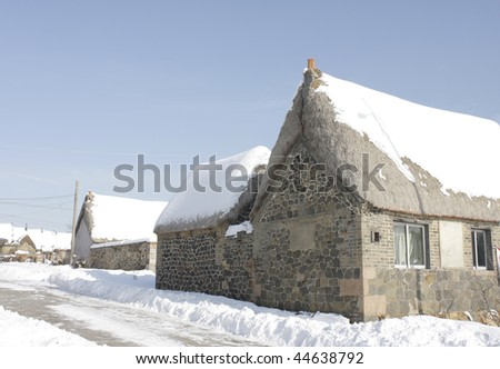 Snowed house after snow storm3