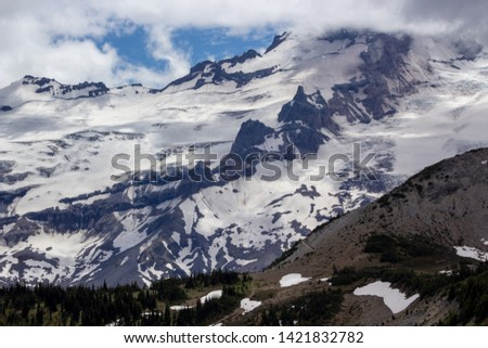 Snowy evergreens & mountain tops. Take a look at these beautiful shots of Washington States Mount Rainier. #1421832782