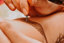 So Special Moment in Henna Art