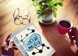 Socialmedia Global Communication Analyzing Sharing Concept