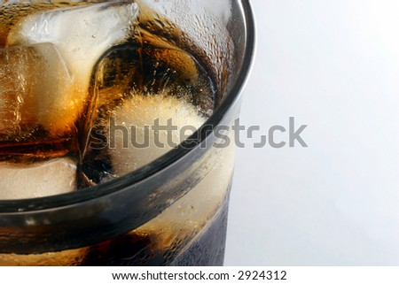 Soft drink with ice