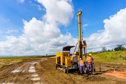 Soil sampling in the production of engineering-geological surveys.