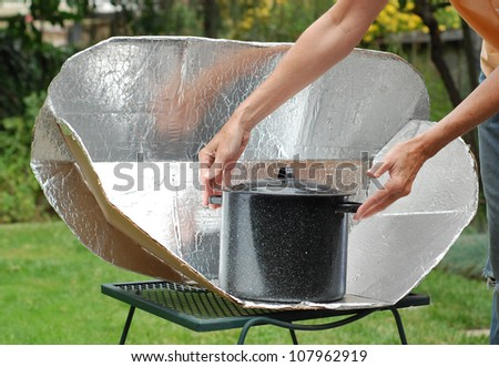 Solar Cooking Oven with black pot.