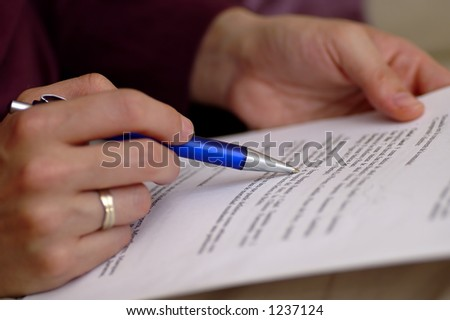 http://image.shutterstock.com/display_pic_with_logo/59036/59036,1145831315,2/stock-photo-someone-studying-1237124