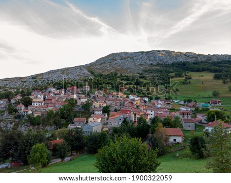 Sotres village in the Europa Peaks (Picos de Europa National Park), Cantabrian Mountains, northern Spain. Stockfoto ©