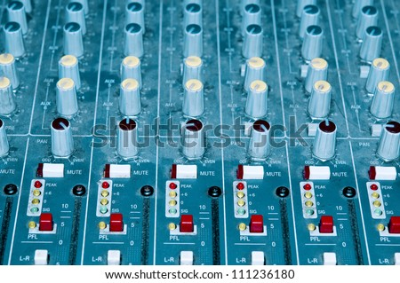 Soundboard closeup
