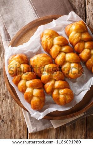 AFRIKANER KOEKSISTERS Braided deep fried bread type dough