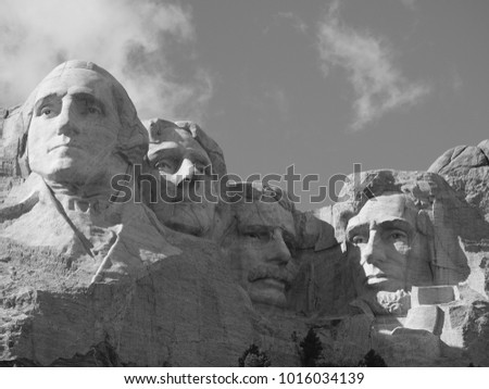 South Dakota is the place that U.S build the most famous presidents on the rocks on the top of mountain.