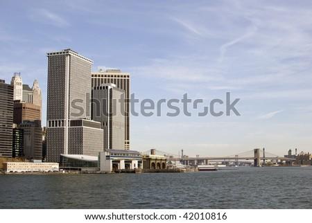 South Ferry Dock overlooking Brooklyn Bridge