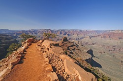 South Kaibab Trail heading into the Grand Canyon