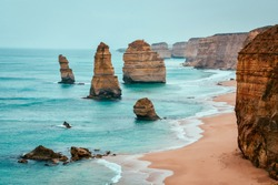 Southern Australian Coastline, The Twelve Apostles and Loch Ard Gorge