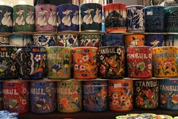 Souvenir mugs at spice bazaar