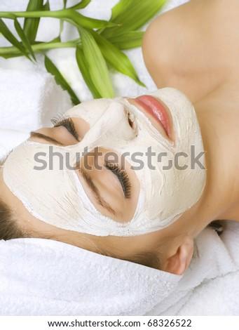 Spa facial clay mask